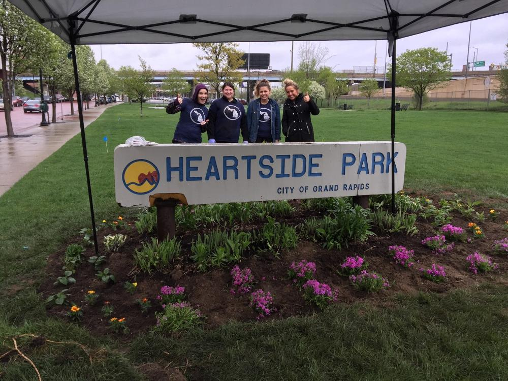 Volunteers at Heartside Park